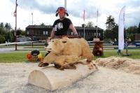 2-igor-kyllinen_veistos-go-bear-go_karhufestivaali-2019_kuva-riitta-johanna-laitinen-msl